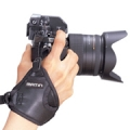 สายรัดข้อมือกล้อง Matin รุ่น M-6742 Grip-II นีโอพรีน สีดำ